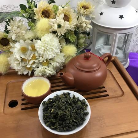雋美佳 金萱烏龍茶(中級)  手採一心二葉高山茶